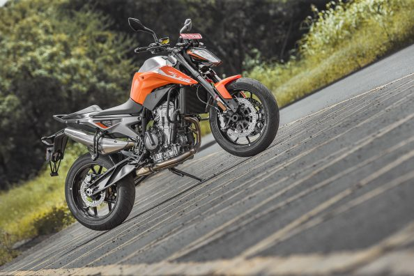 KTM 790 Duke | MOTORING World